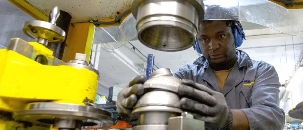 Treballador al Taller de Mansol